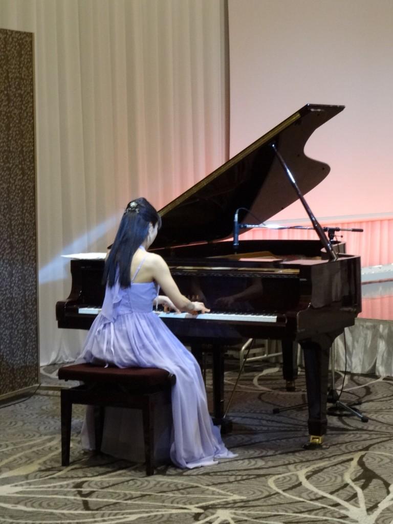 谷本光音教授就任15周年記念祝賀会(藤井敬子先生ピアノ演奏2)